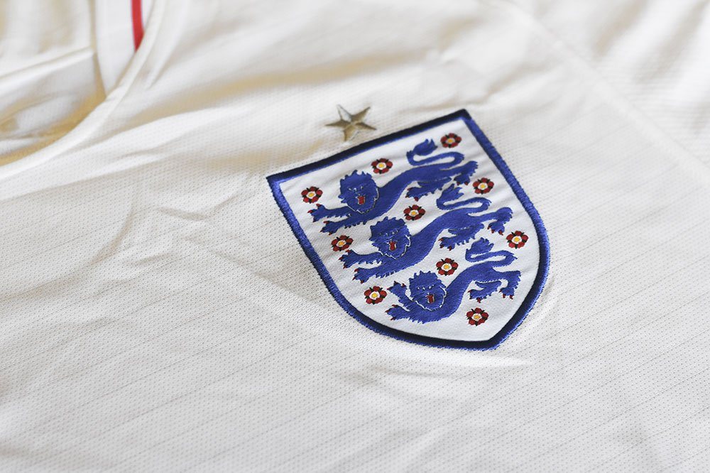 fake english football shirt